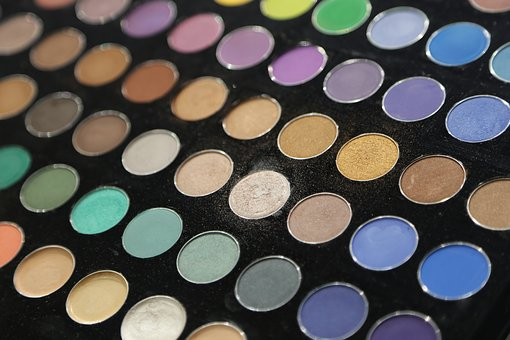 cosmetics makeup trends colourful eye-shadow